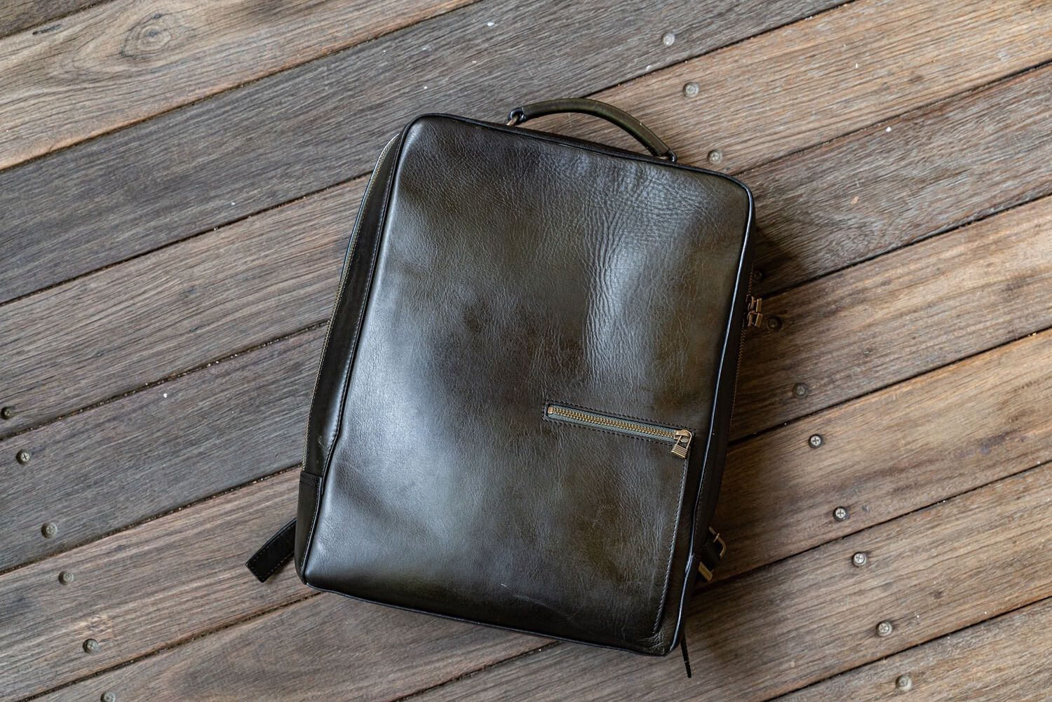 Antique square backpack2